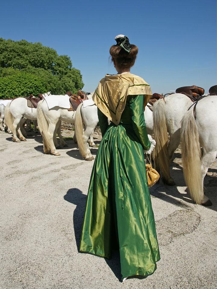 アルル地方で見かけた女性の帽子がモチーフのArlesストーリー